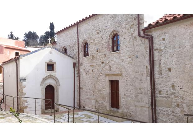 PRIEST TEMPLE OF PALIANI
