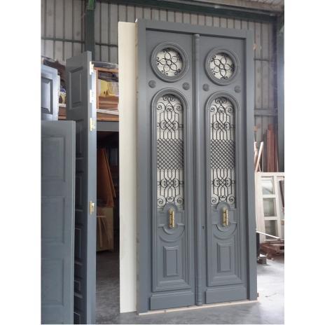 Νεοκλασική πόρτα εισόδου δίφυλλη