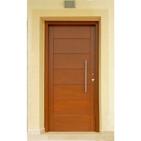 Πόρτα εισόδου με ένα ταμπλά (οριζόντιες τραβέρσες φαρδιές)