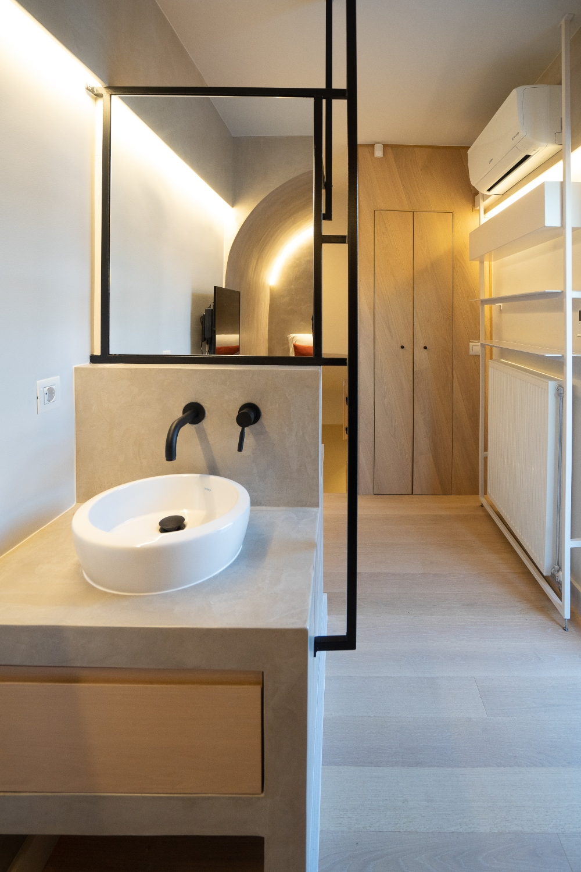 HOTEL -4