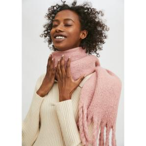 Compañía Fantástica PINK SOFT KNITTED SCARF WITH FRINGE DETAIL