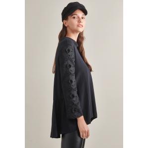 MYT blouse W21T9163
