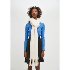 Compañía Fantástica WHITE SOFT KNITTED SCARF WITH FRINGE DETAIL