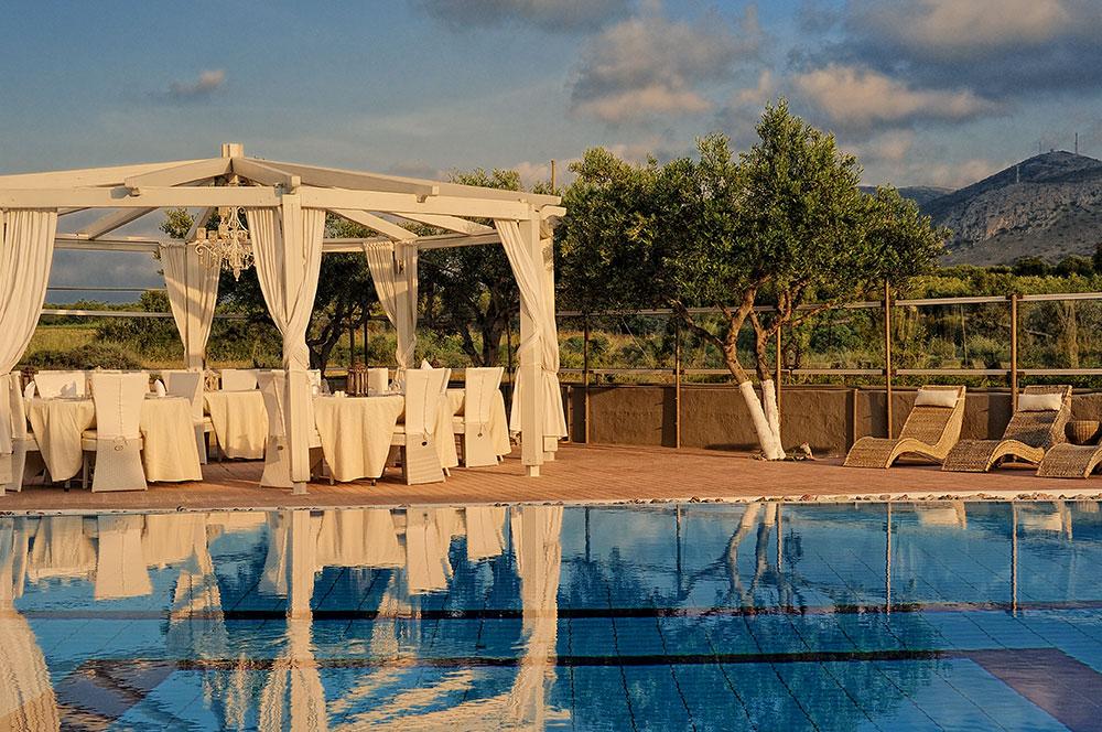 Pool Lounge-3