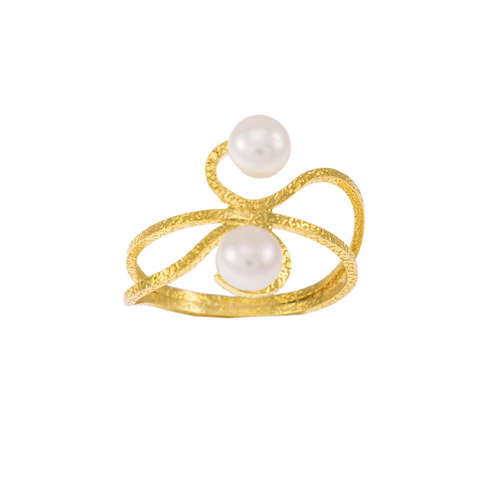 Δακτυλίδι σε κίτρινο χρυσό 14ΚΤ με μαργαριτάρι.