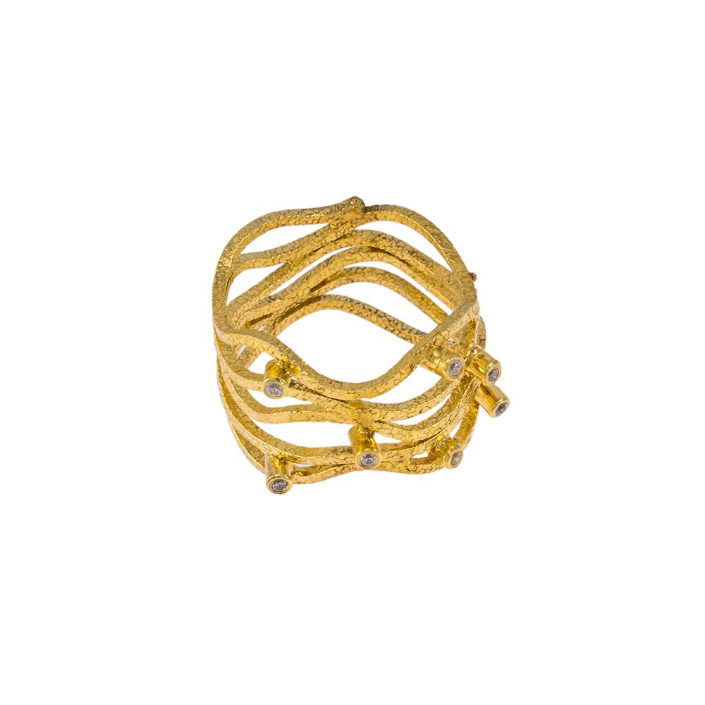"""Δακτυλίδι """"WAVES"""" σε κίτρινο χρυσό 14ΚΤ με ζιργκόν."""