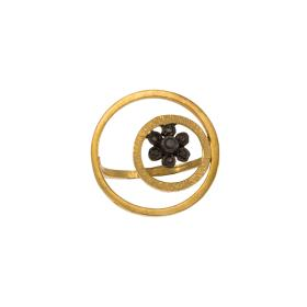 "Ring ""GEOMETRIC SHAPES"" in yellow gold 14kt with  black zirgon on a black flower"