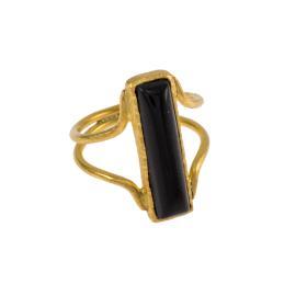 Δακτυλίδι  σε ασήμι επιχρυσωμένο με μαύρη συνθετική πέτρα.
