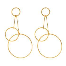 """Σκουλαρίκια  """"CYCLE""""  μίνιμαλ διάθεση τριών κύκλων σε επιχρυσωμένο ασημί .    SK006111"""
